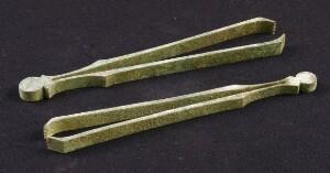 Ancient Roman forceps (replica)